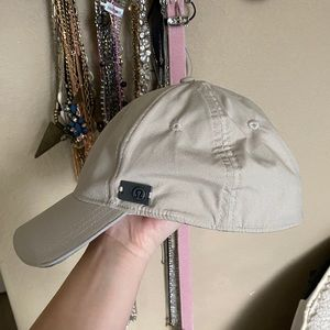 Lululemon tan hat